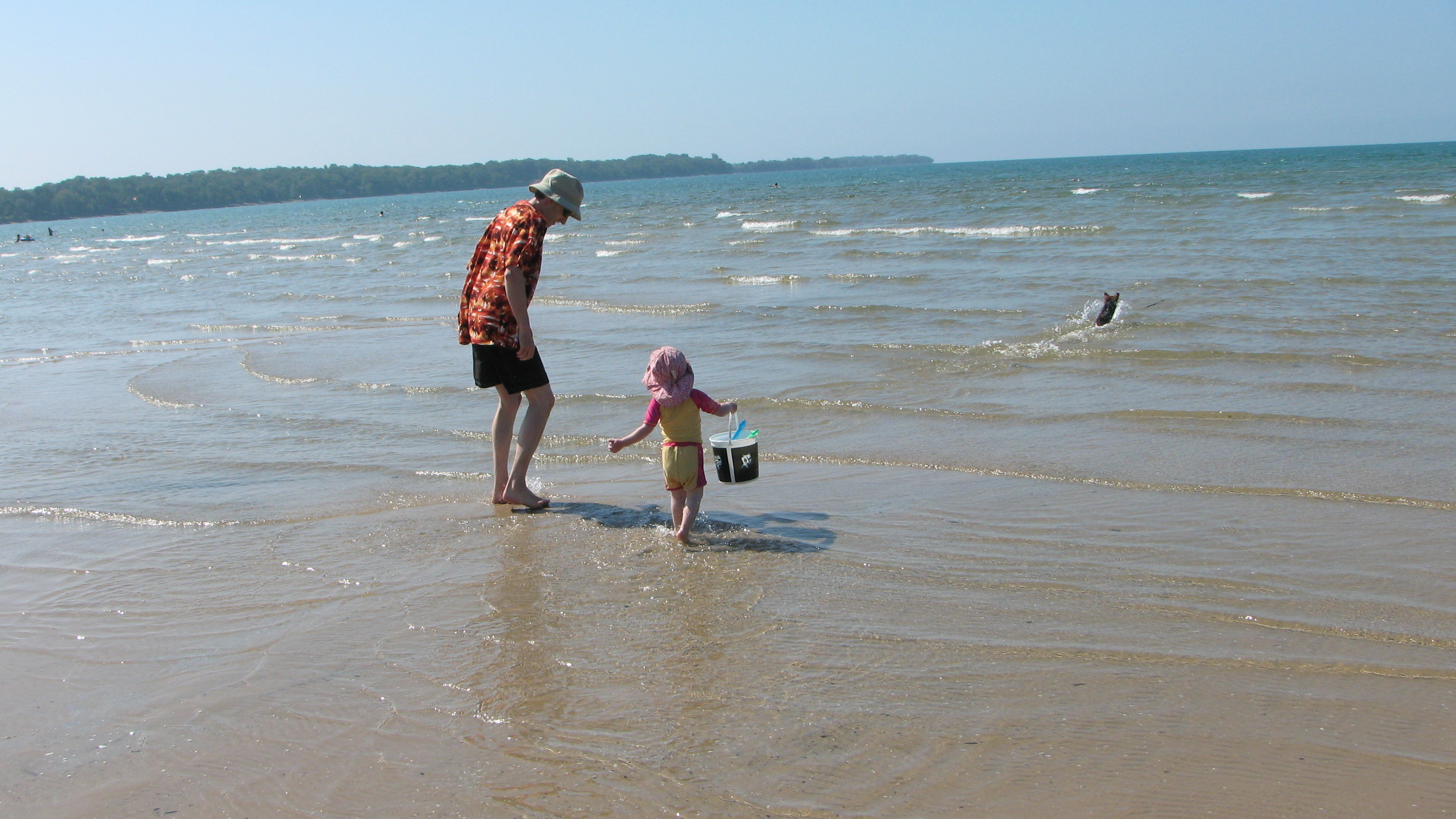 Kid at the beach, water quality, National Resource Defence Council's beach analysis